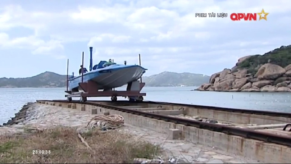 New-photos-of-DPRK-subs-in-Vietnam Covert Shores